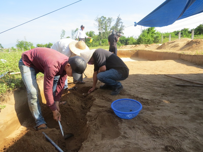 Khai quật di chỉ khảo chỉ học tại vườn đình Khuê Bắc (quận Ngũ Hành Sơn, Đà Nẵng)