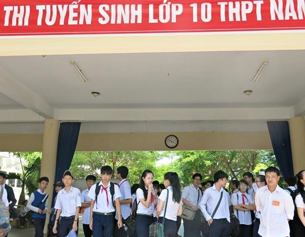 Thí sinh thi vào lớp 10 tại Đà Nẵng vừa hoàn tất buổi thi môn văn