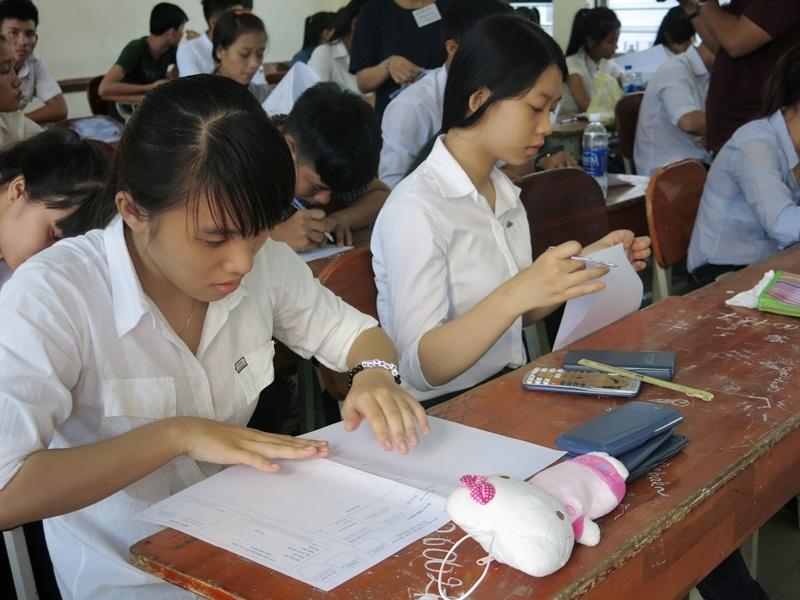 Thí sinh dự kỳ thi THPT quốc gia 2015 tại Đà Nẵng