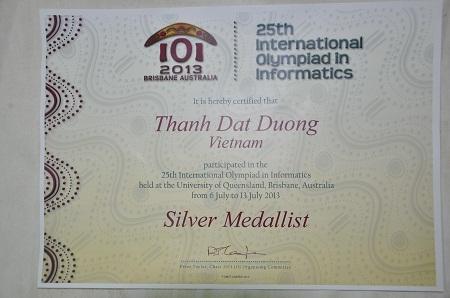 Thành tích cậu bé Đạt đạt được trong kì thi Olympic Tin học quốc tế.