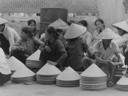 Góc chợ Hà Nội xưa.
