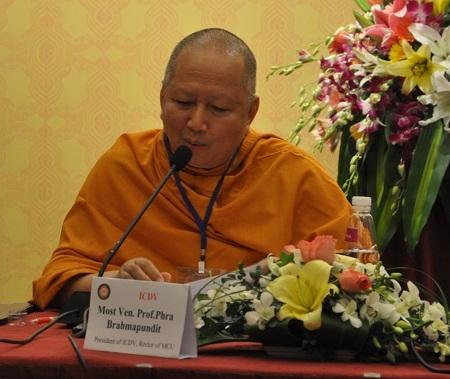 Hòa thượng GS.TS Brahmapundit – Chủ tịch Ủy ban tổ chức quốc tế ICDV phát biểu tại cuộc họp báo.