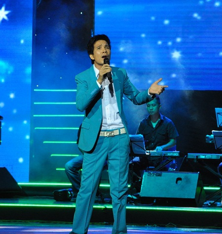 Đêm nhạc có sự góp mặt của nam ca sĩ hải ngoại Hồ Quang.