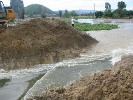 3 người thiệt mạng, lốc xoáy tốc mái, mưa ngập hàng trăm nhà dân - 3