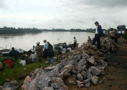 Đoạnđê sông Chu bị sạt, trượt sau cơn bão số 5đãđược khắc phục cơ bản.