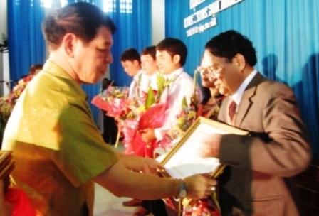 Tiến sĩ, nhà giáo ưu tú Mai Công Khanh (