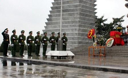 Lễ an táng hài cốt Anh hùng, liệt sỹ Lê Đình Chinh.