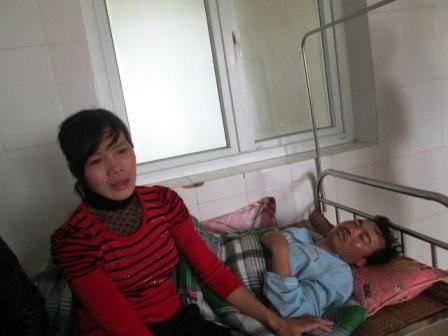 Anh Nguyễn Văn Hùng vẫn hoảng loạn, lúc tỉnh lúc mê.