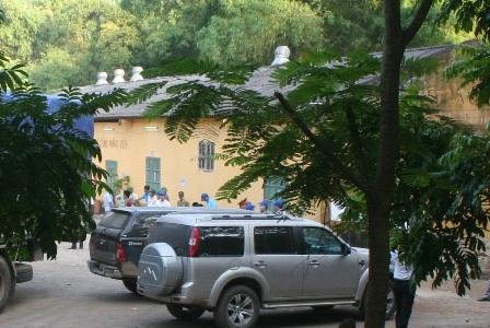 Một số hàng hóa đã được vận chuyển ra khỏi Cty Thanh Thái đến kho tập kết.