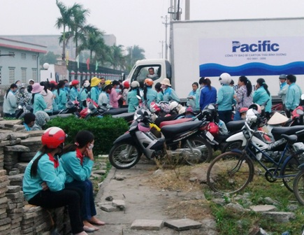 Đến sáng ngày 16/10 công nhân vẫn tiếp tục bỏ việc để đình công