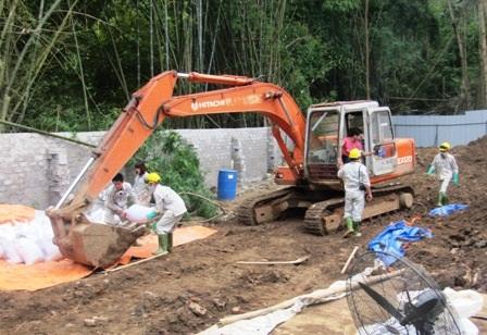 Đơn vị thi công đã hoàn thành hai vị trí chôn lấp chất thải nguy hại tại Cty Thanh Thái.