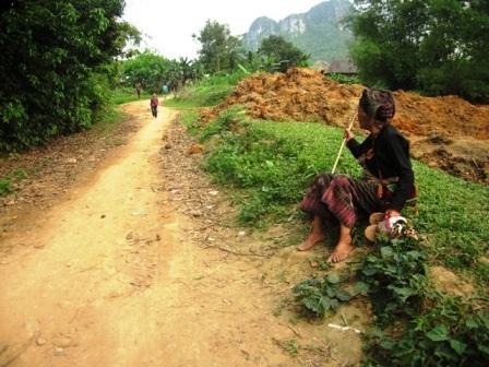 Những chuyện lạ ở thôn 100% hộ nghèo