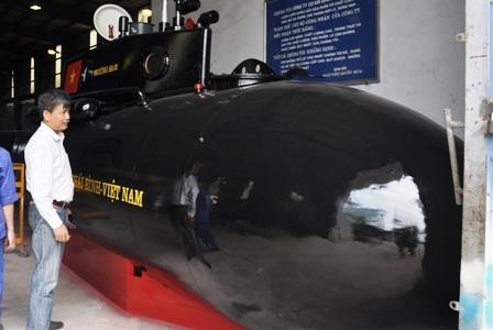 """Theo ông Nguyễn Quốc Hòa, tàu ngầm mini Trường Sa sẽ có """"phương án 2"""" để thử nghiệm trên biển."""