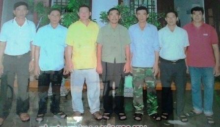 Gia đình anh Bảy có đến 8 thành viên gồm con, cháu tham gia xây dựng công trình biển đảo.