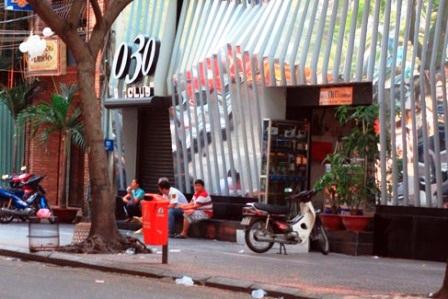 Vụ nổ súng xảy ra ngay trước quán Bar 030-X Club