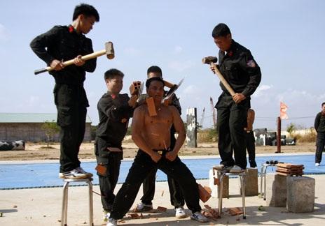 Phần luyện tập khí công để nâng cao sự dẻo dai, bền bỉ và ý chí kiên cường cho người chiến
