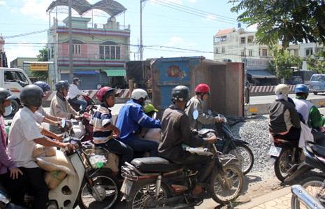 Sự cố khiến giao thông qua đoạn đường này gặp nhiều khó khăn