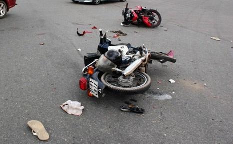 Vụ va chạm giữa hai xe máy khiến 2 người trọng thương