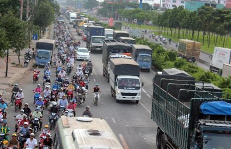 Vụ tai nạn liên hoàn làm ảnh hưởng đến giao thông ở nhiều tuyến đường