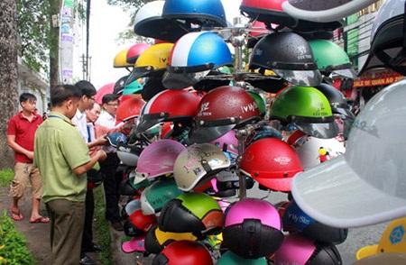 Mũ bảo hiểm là mặt hàng dễ bị làm giả, làm nhái nhất