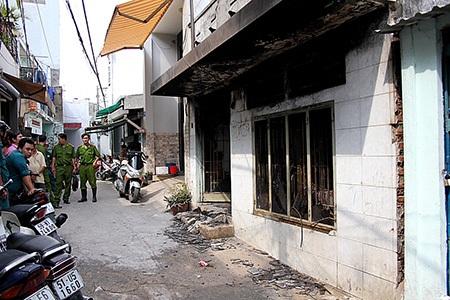 Căn nhà xảy ra vụ cháy nằm ngay giữa khu dân cư