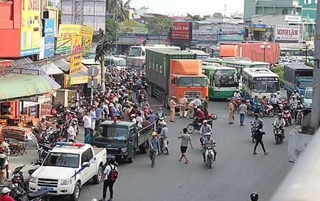 Một vụ tai nạn chết người tại điểm đen giao thông nằm ở cửa ngõ phía Tây Nam của thành phố