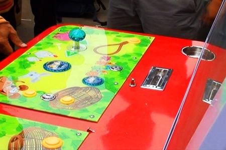 Máy trò chơi điện tử lậu