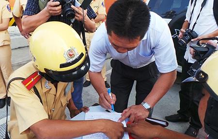 Lực lượng CSGT sẽ đồng loạt ra quân xử lý vi phạm nhằm kéo giải tai nạn giao thông