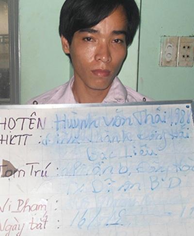 Huỳnh Văn Thái bị tạm giữ tại cơ quan công an thị xã Thuận An