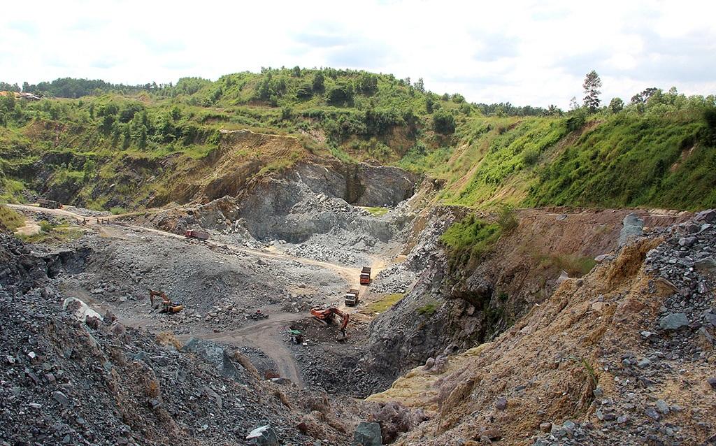 Một địa điểm khai thác khoáng sản tại Đồng Nai