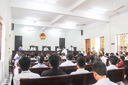 Phiên tòa sáng 21/5 tạm hoãn vì nhân chứng mắt xích của vụ án vắng mặt