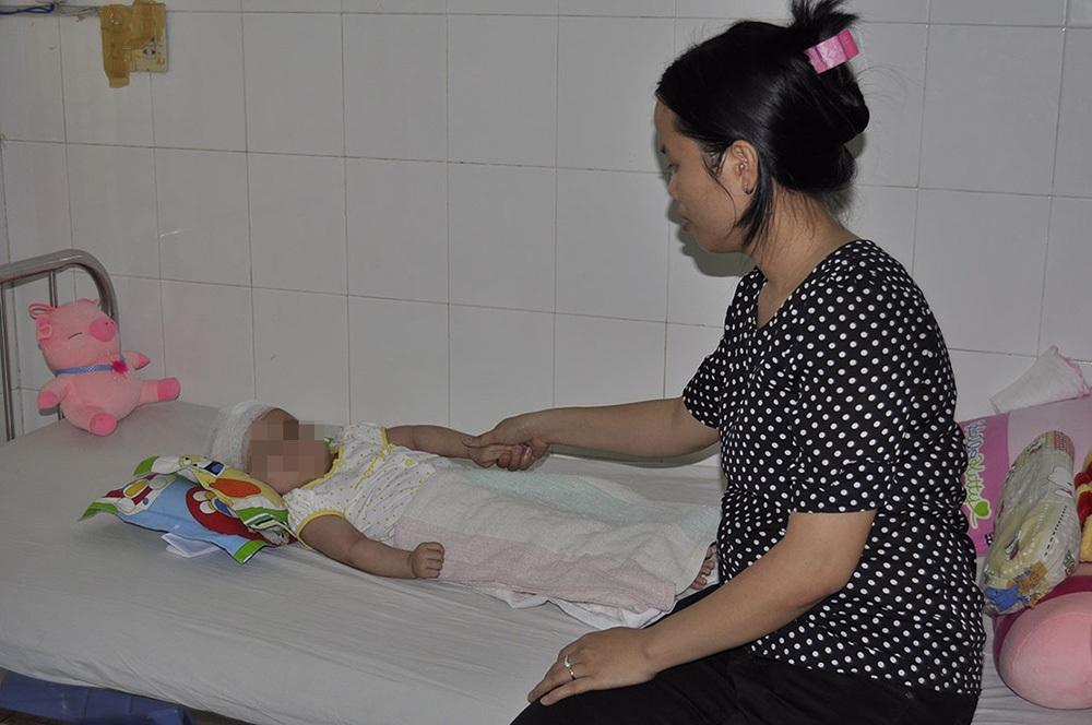 Bé T. hiện vẫn đang được chữa trị tại bệnh viện Nhi đồng Đồng Nai