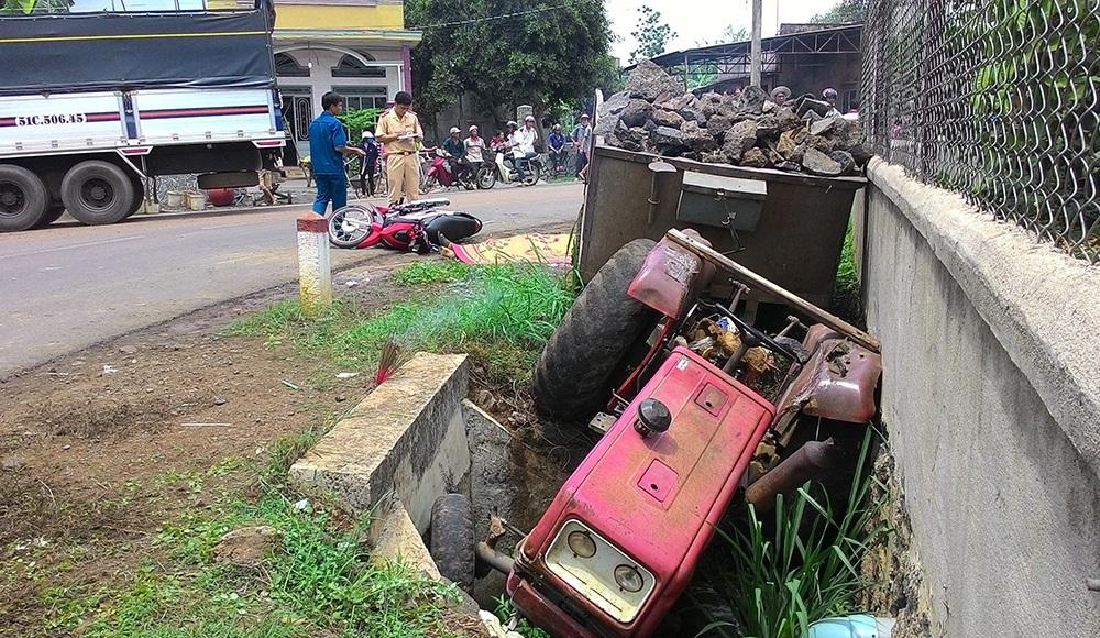 Hiện trường vụ tai nạn ngày 11/5 do xe máy cày tự chế gây ra làm 1 người chết