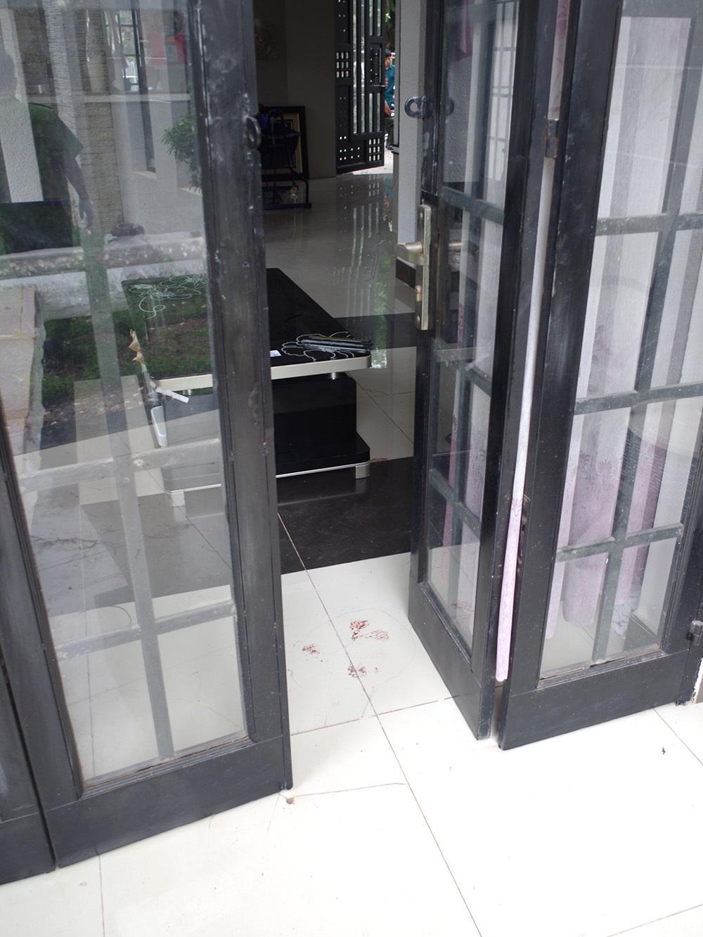 Hiện trường bên trong căn nhà xảy ra vụ thảm sát