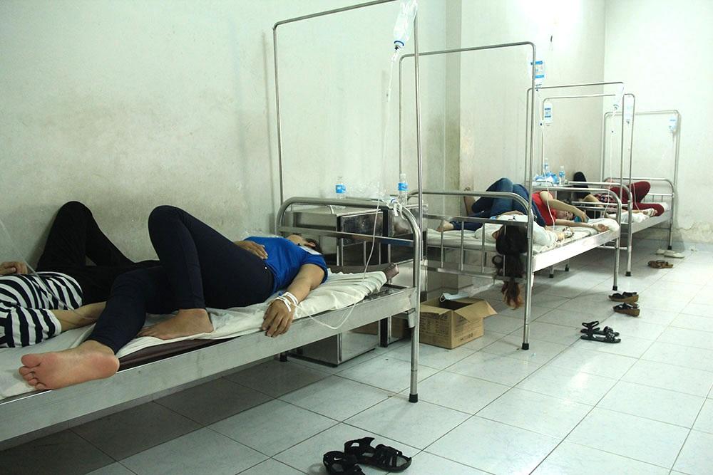 Đến chiều 22/7, nhiều công nhân vẫn phải nằm lại điều trị tại bệnh viện Quân Đoàn 4