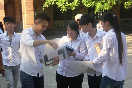 Các thí sinh Hà Nam dự kỳ thi tốt nghiệp THPT năm 2014.