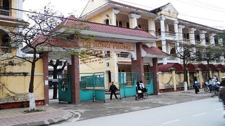 Trường THPT Chuyên Lê Hồng Phong, Nam Định.