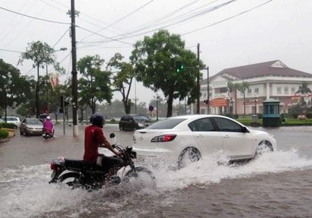 Nhiều tuyến phố ở thành phố Thái Bình bị ngập lụt.