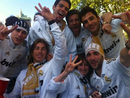 Real Madrid ăn mừng chức vô địch tưng bừng ở Cibeles