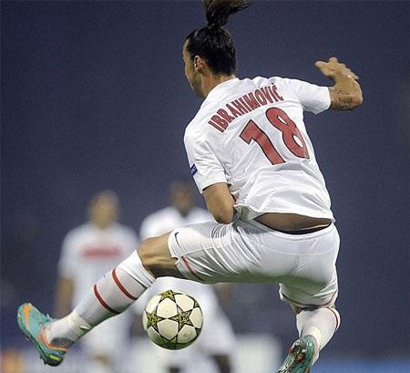 Ngôi sao Ibrahimovic tiếp tục thăng hoa trong màu áo đội bóng mới Paris Saint Germain.
