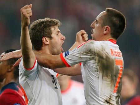 Bayern Munich trình diễn bộ mặt khác hẳn so với tại Bundesliga
