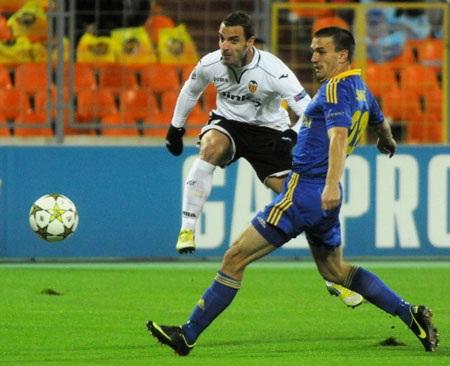 Soldado lại thăng hoa giúp Valencia có được chiến thắng