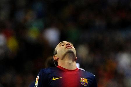 Malaga tạo được khá nhiều tình huống sóng gió về phía khung thành thủ môn Pinto.