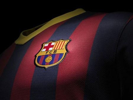 Barcelona trình làng trang phục thi đấu mùa giải tới