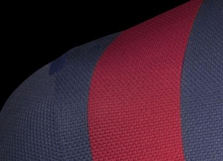 Áo đấu mới của Barcelona được sử dụng chất liệu vải nhẹ hơn và thoát nhiệt tốt hơn.