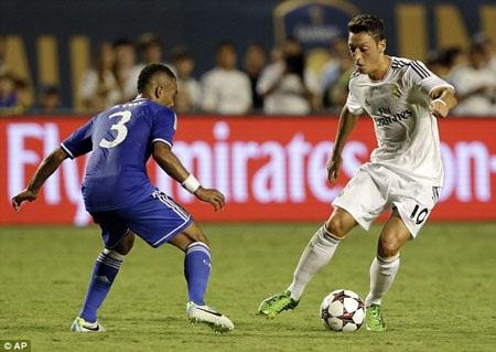 Real Madrid sẵn sàng bán Ozil cho MU với giá 40 triệu bảng