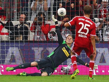 Bayern Munich tạo ra hàng tá cơ hội ăn bàn