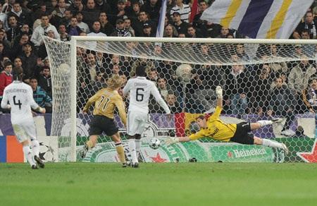 Juventus thực sự là nỗi ám ảnh của Casillas