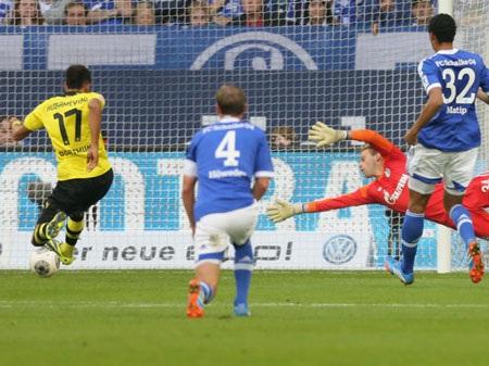 Aubameyang kết thúc pha tấn công hoàn hảo của Dortmund