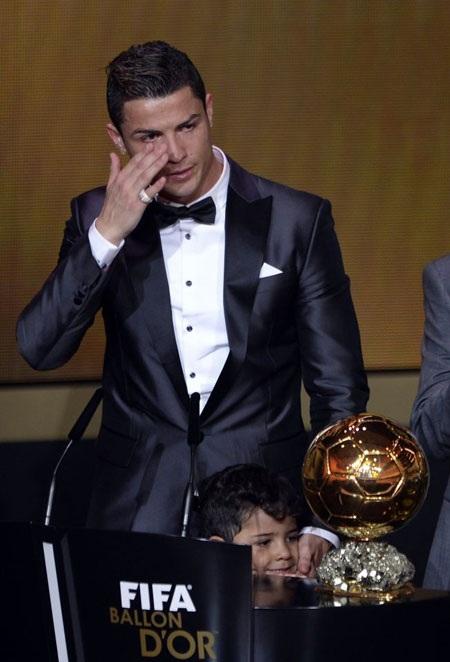 Những giọt nước mắt hạnh phúc của C.Ronaldo